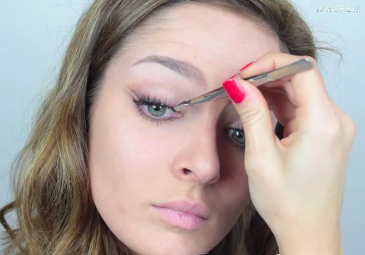 Двойные стрелки в макияже