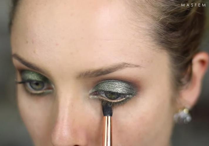 Макияж для зеленых глаз консилер
