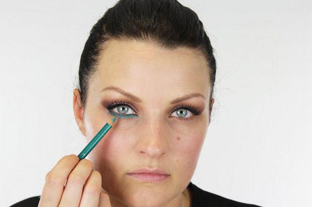 Макияж глаз смоки с изумрудным карандашом